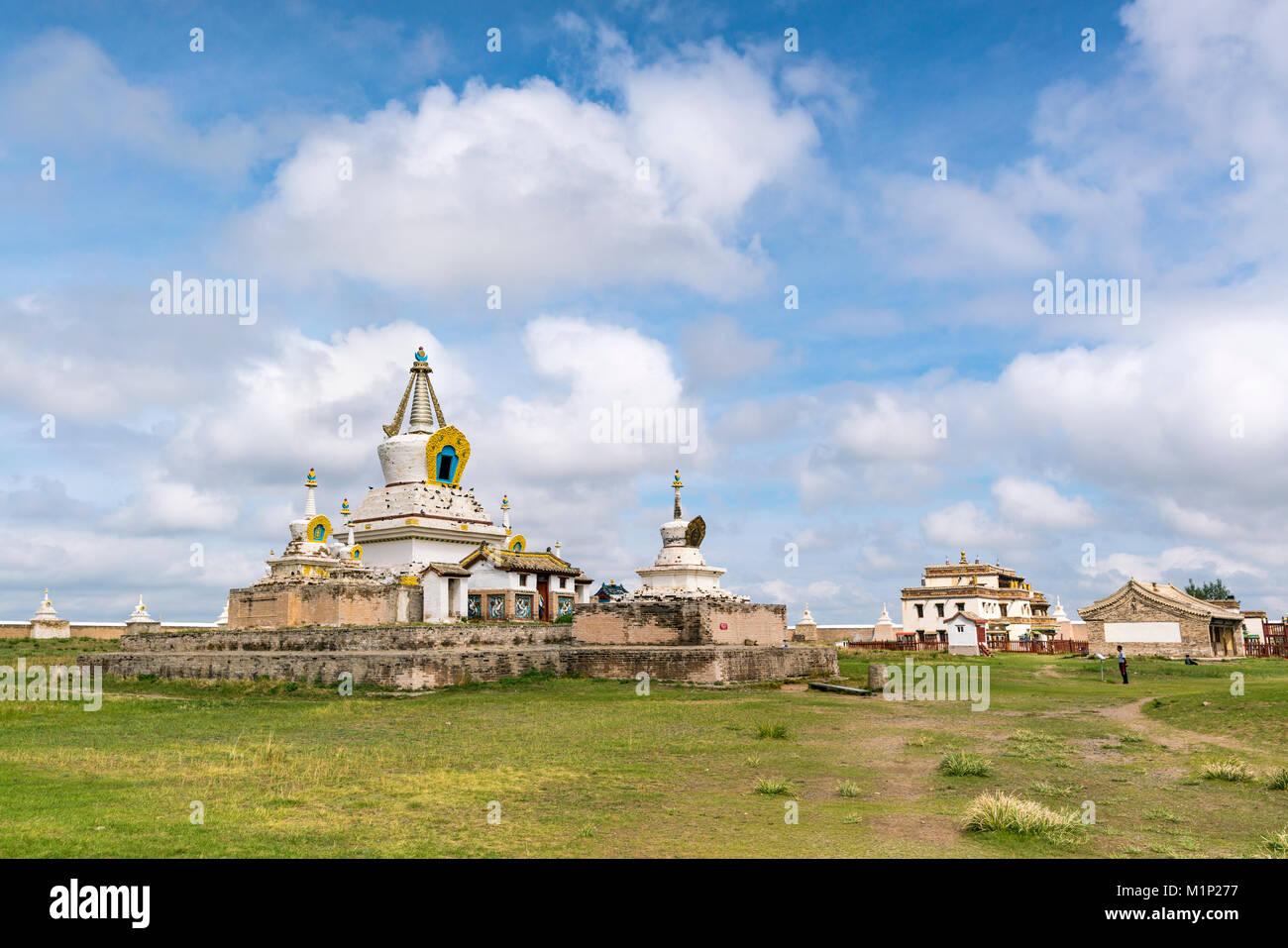 Stupas und Gebäude in Erdene Zuu Kloster, Harhorin, im Süden der Provinz Hangay, Mongolei, Zentralasien, Stockbild