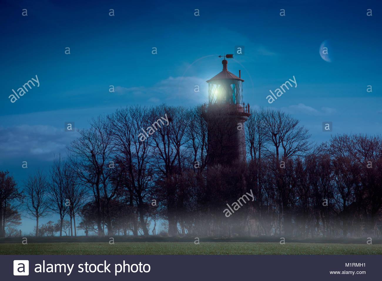 Leuchtturm Staberhuk in der Dämmerung Stockbild