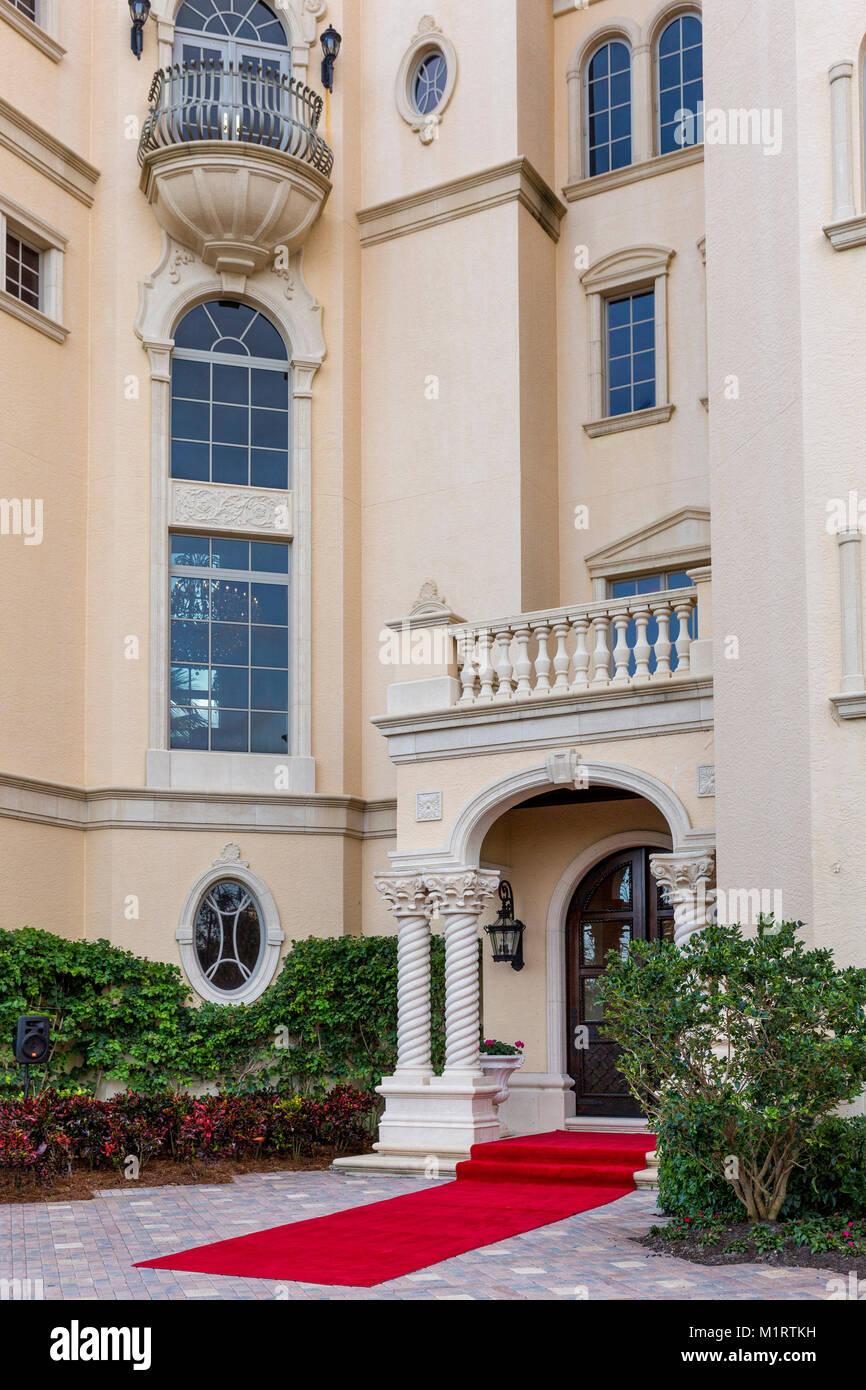 Vor typische wohlhabende Strand residence Naples, Florida, USA Stockbild