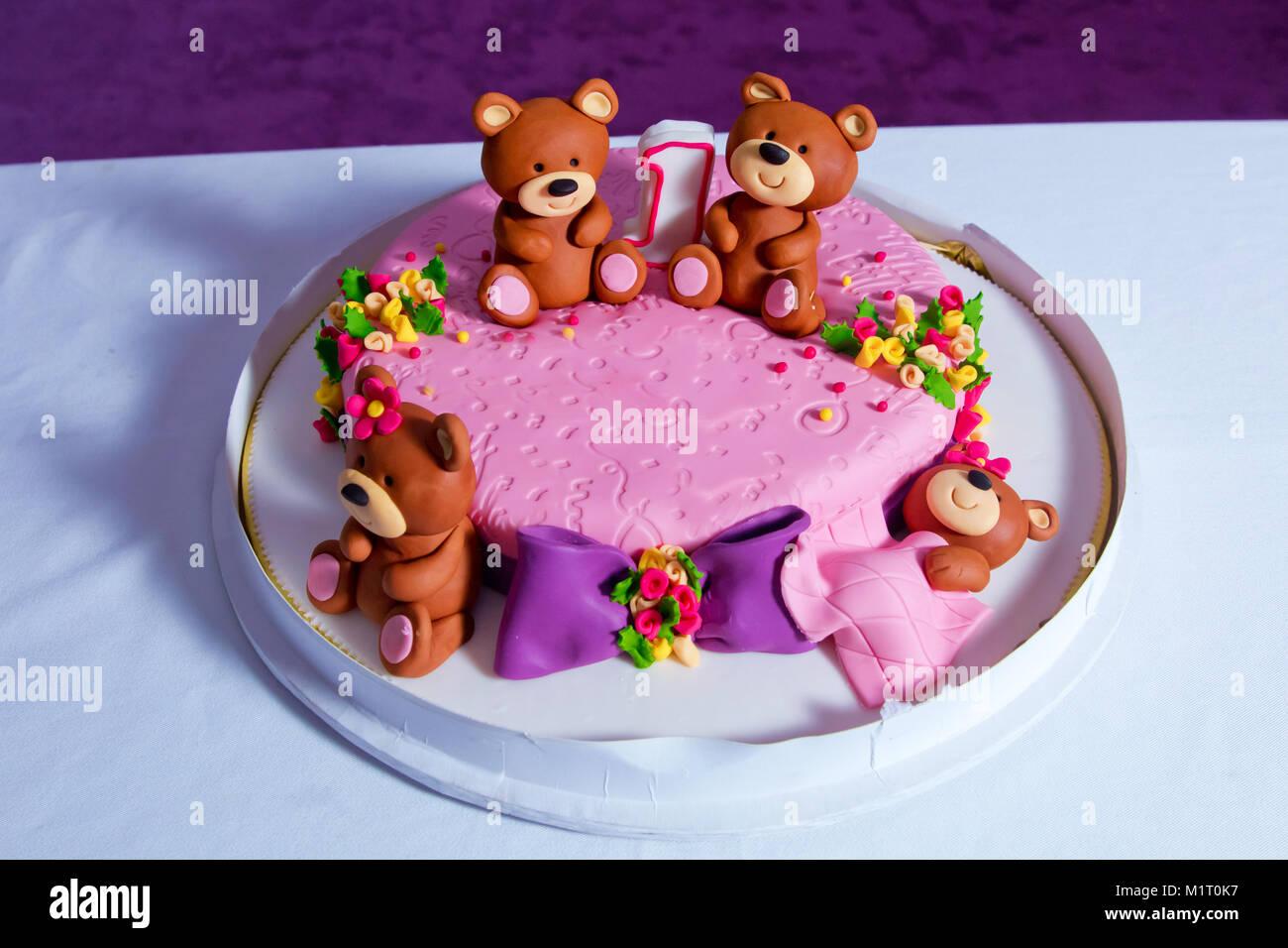 Kuchen. Grosse Schöne Kinder Kuchen Mit Türkis Teddybär Eingerichtet