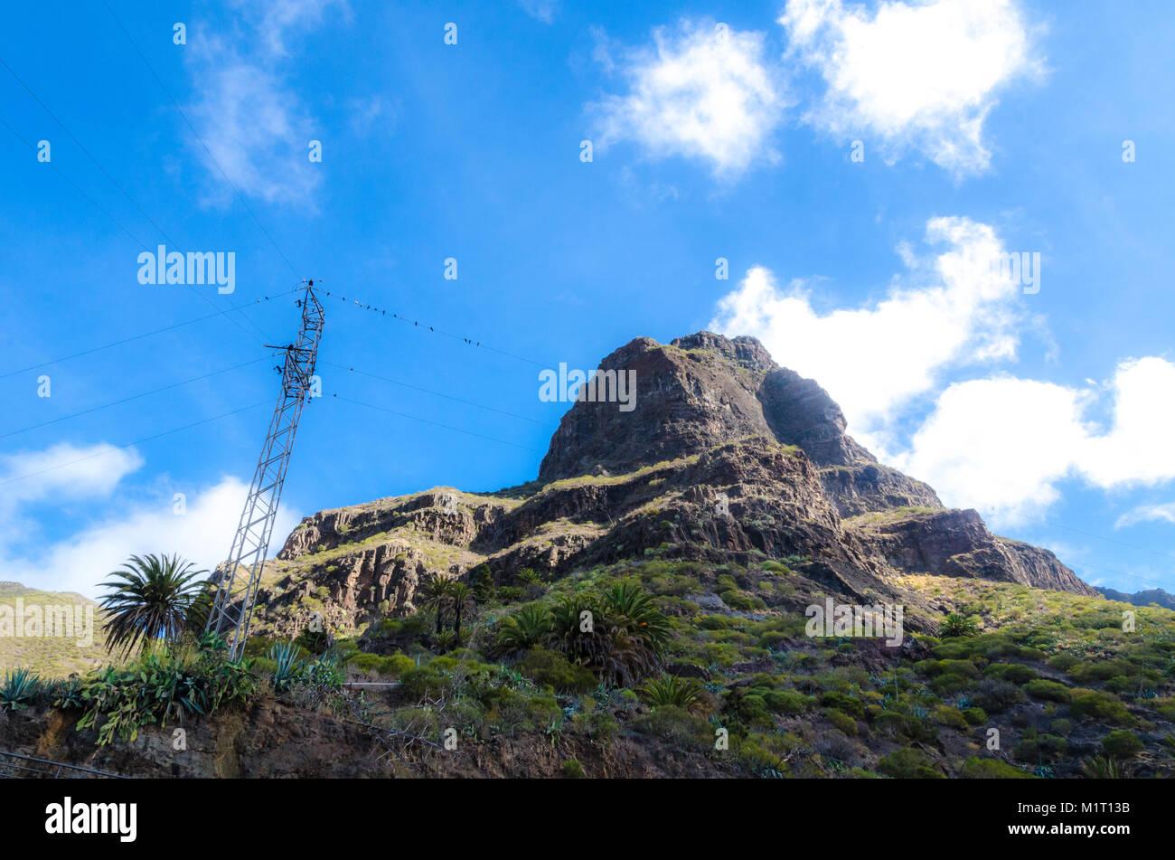 Hügel mit Blick auf das Dorf Masca auf Teneriffa, Spanien Stockbild
