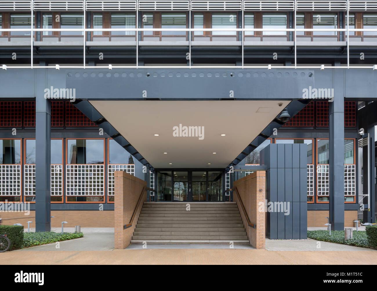 Bonn, Regierungsviertel (Bundesviertel, parlamentsviertel), ehemaliges Abgeordnetenhochhaus â € žLanger Eugenâ € oe, 1966-1969 von Egon Eiermann erbaut, er Stockfoto