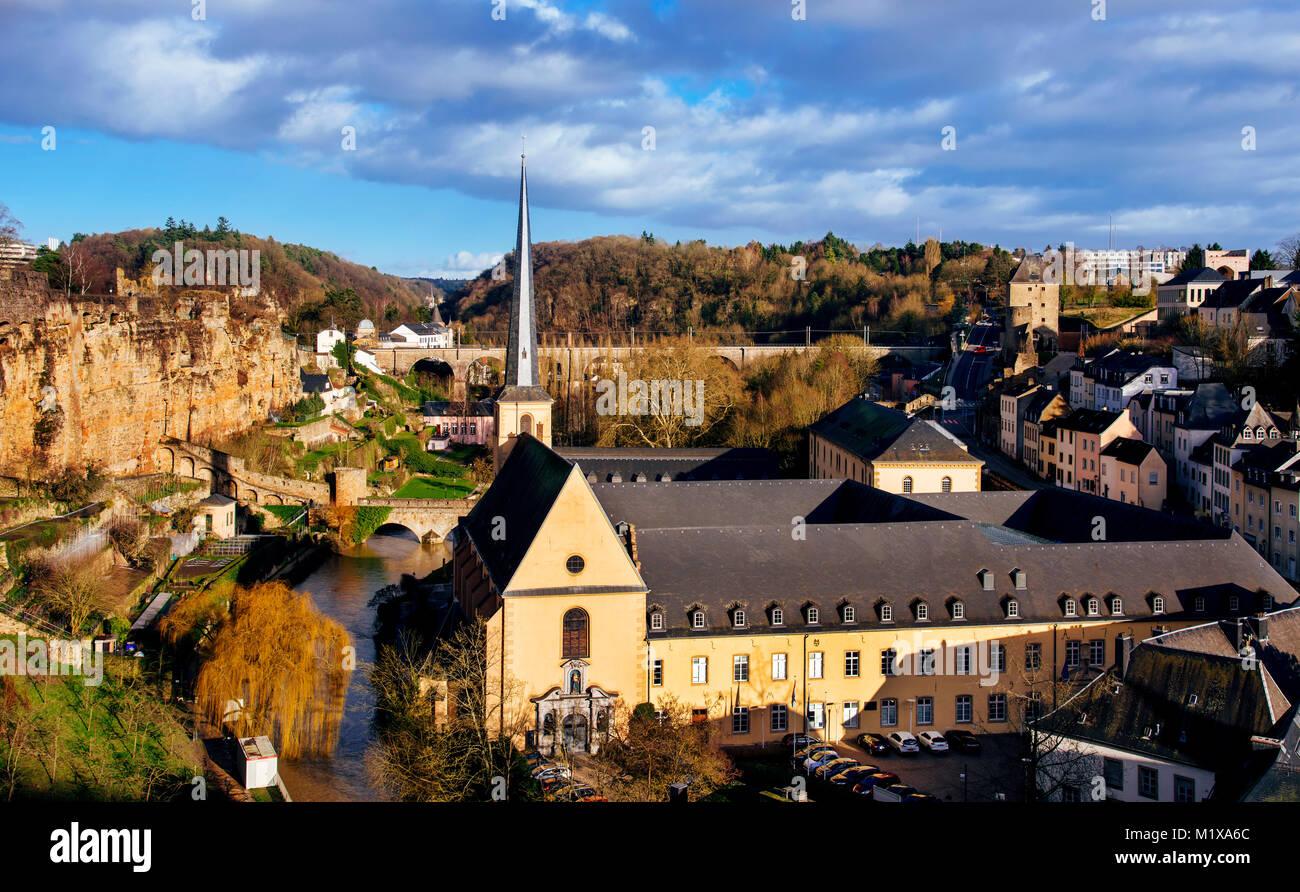 Panoramablick auf den Grund Viertel in der Stadt Luxemburg, Luxemburg, Neumünster Abbey und den Saint-Jean Stockbild