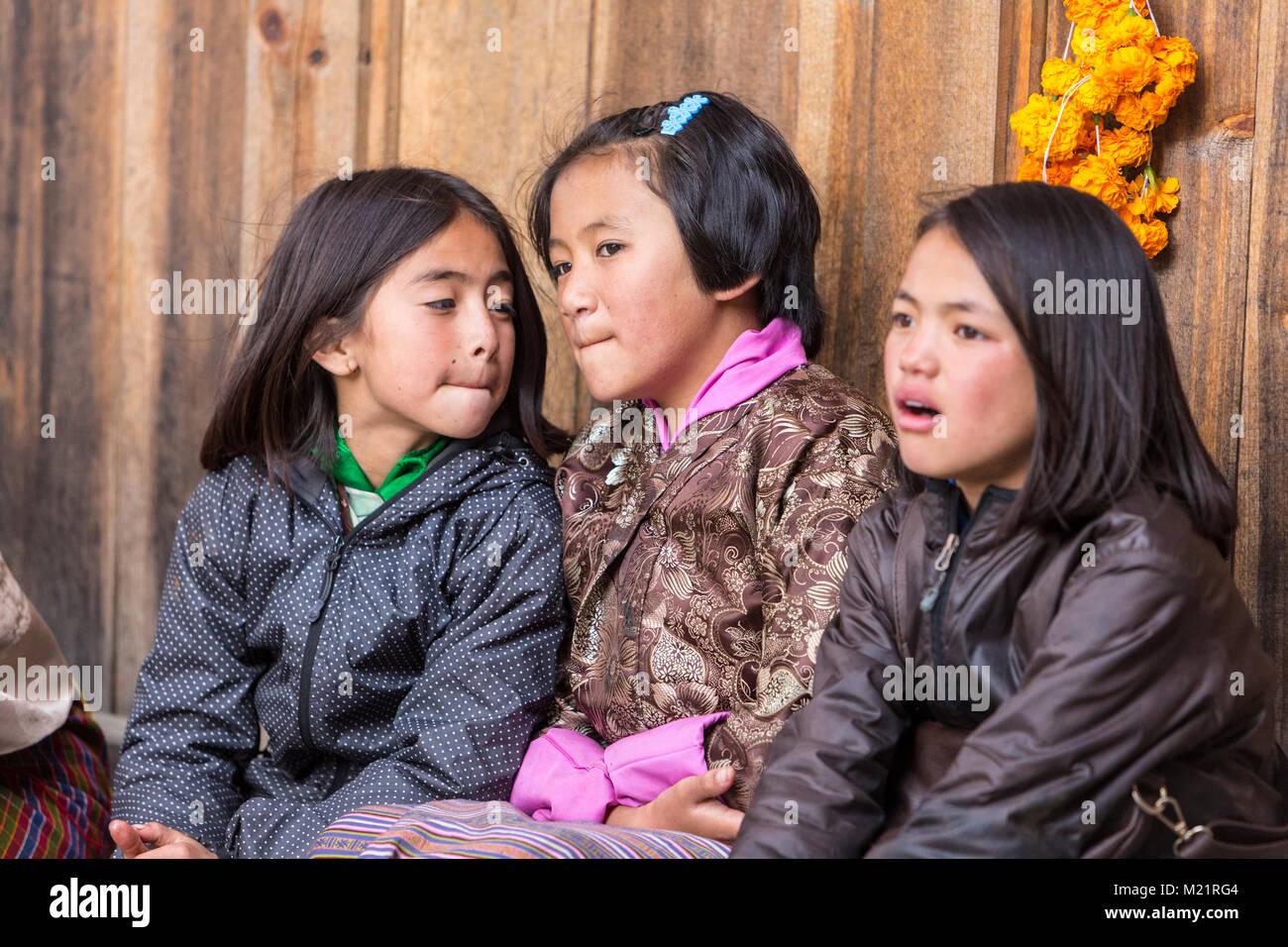 Schöne bhutanische Mädchen