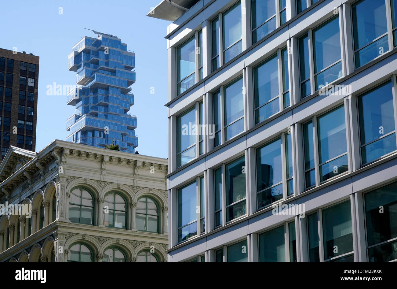 Die Ansicht von 56 Leonard Street Apartment Tower von SoHo. Manhattan, New York City, USA. Stockbild