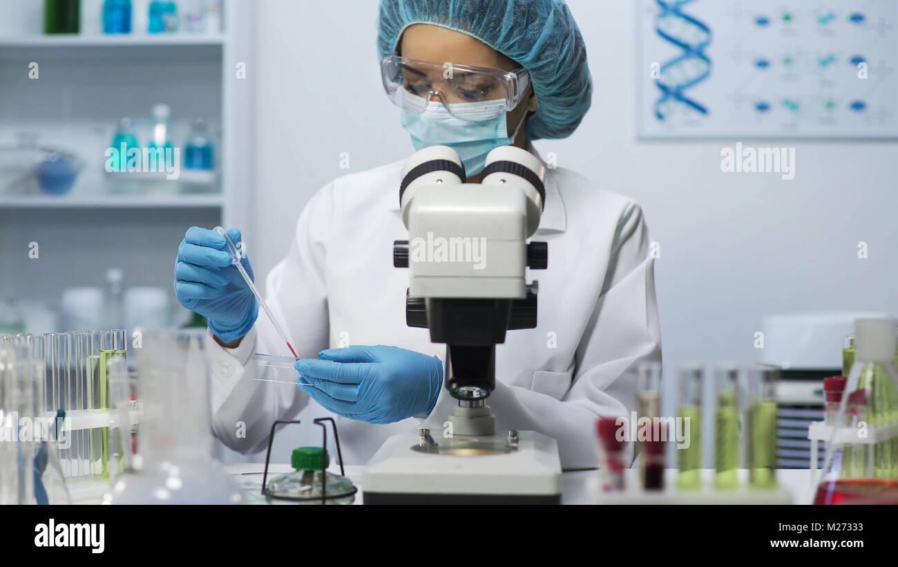 Medizinische Analytiker, biochemische Blut Forschung am Labor, Health Care Stockbild