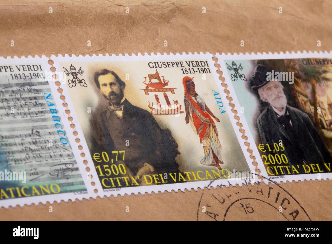 Briefmarken Aus Dem Vatikan Auf Einem Brief Gestanzt Vatikan