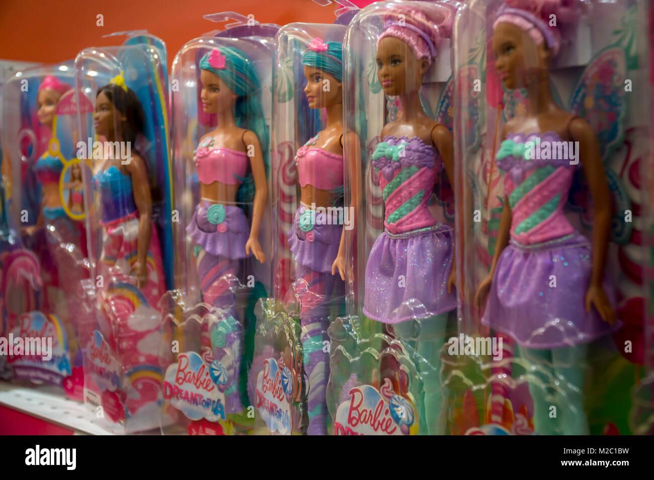 Eine Zusammenstellung Der Verschiedenen Mattel Barbie Puppen In Der