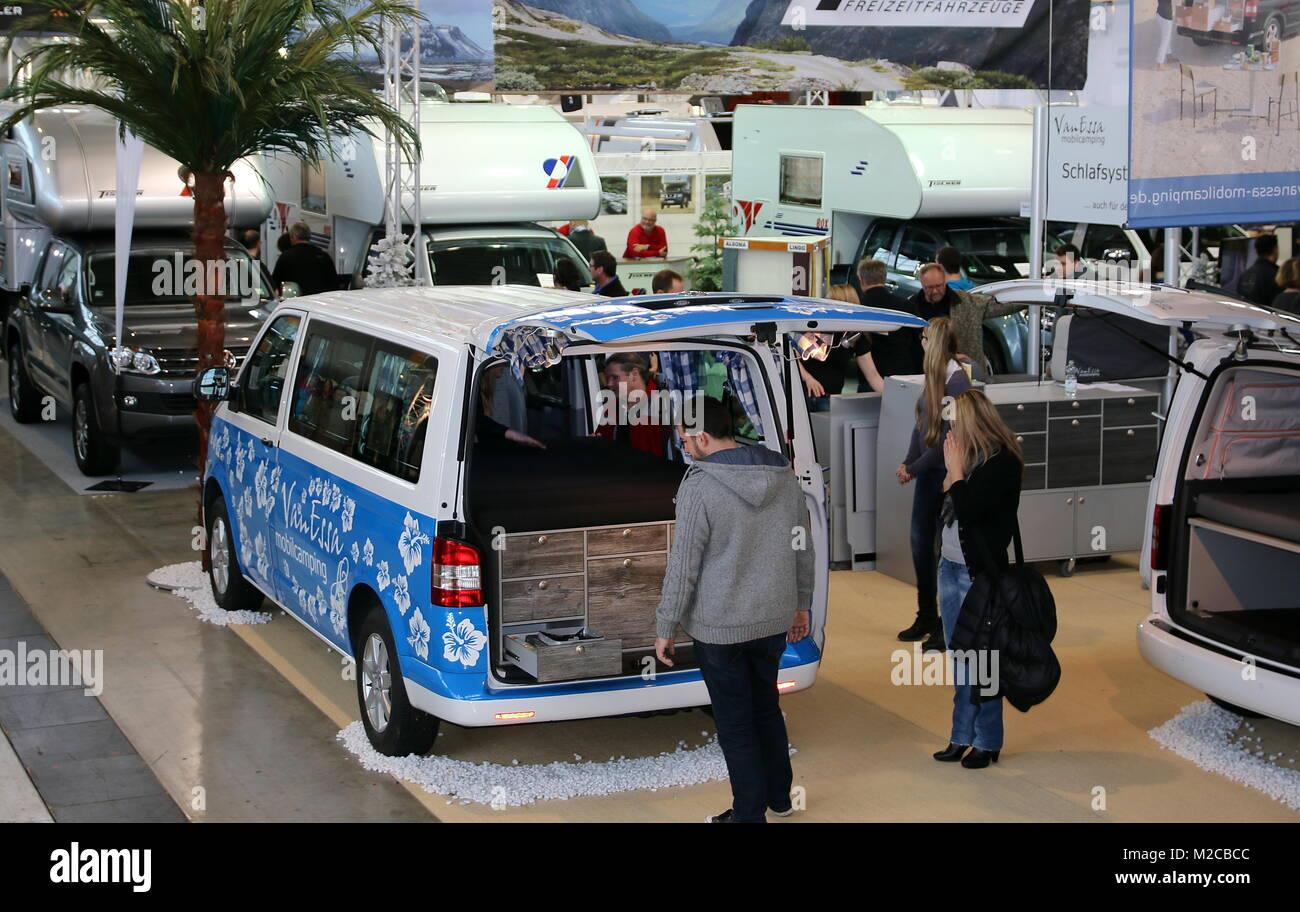 Genau hinschauen können die Besucher auf der CMT - Die Urlaubs-Messe 2015 Vom 17. bis 25. Januar 2015 in Stuttgart. Stockbild