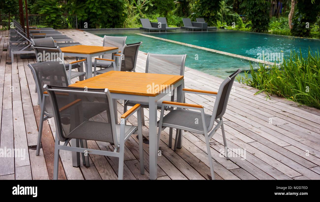 Gut gemocht Moderne Terrasse neben Schwimmbad Stockfoto, Bild: 173624261 - Alamy VB29