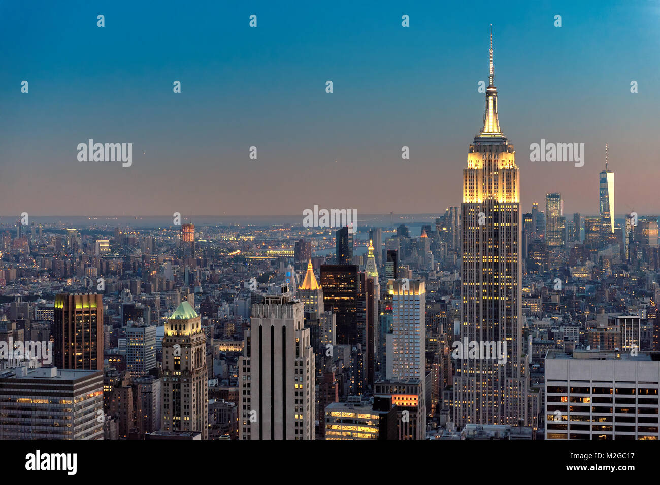 New York City Skyline im Sonnenuntergang Stockbild