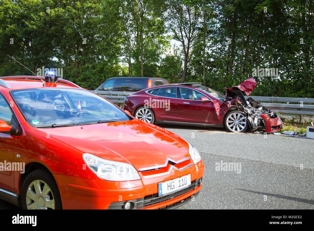 Ungewöhnlich Elektrofahrzeug Layout Bilder - Schaltplan Serie ...