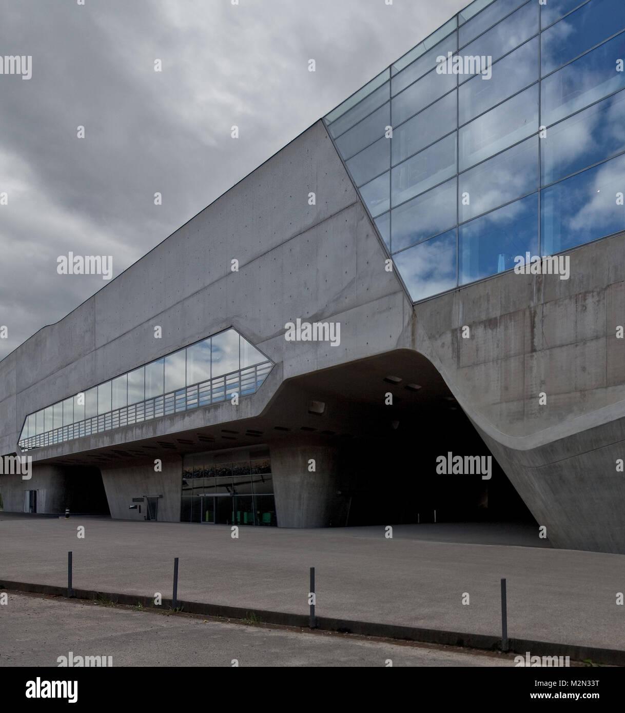 Wolfsburg PHAENO Wissenschaftsmuseum Teilansicht von Südwest 2001-2005 von Zaha Hadid Stockbild