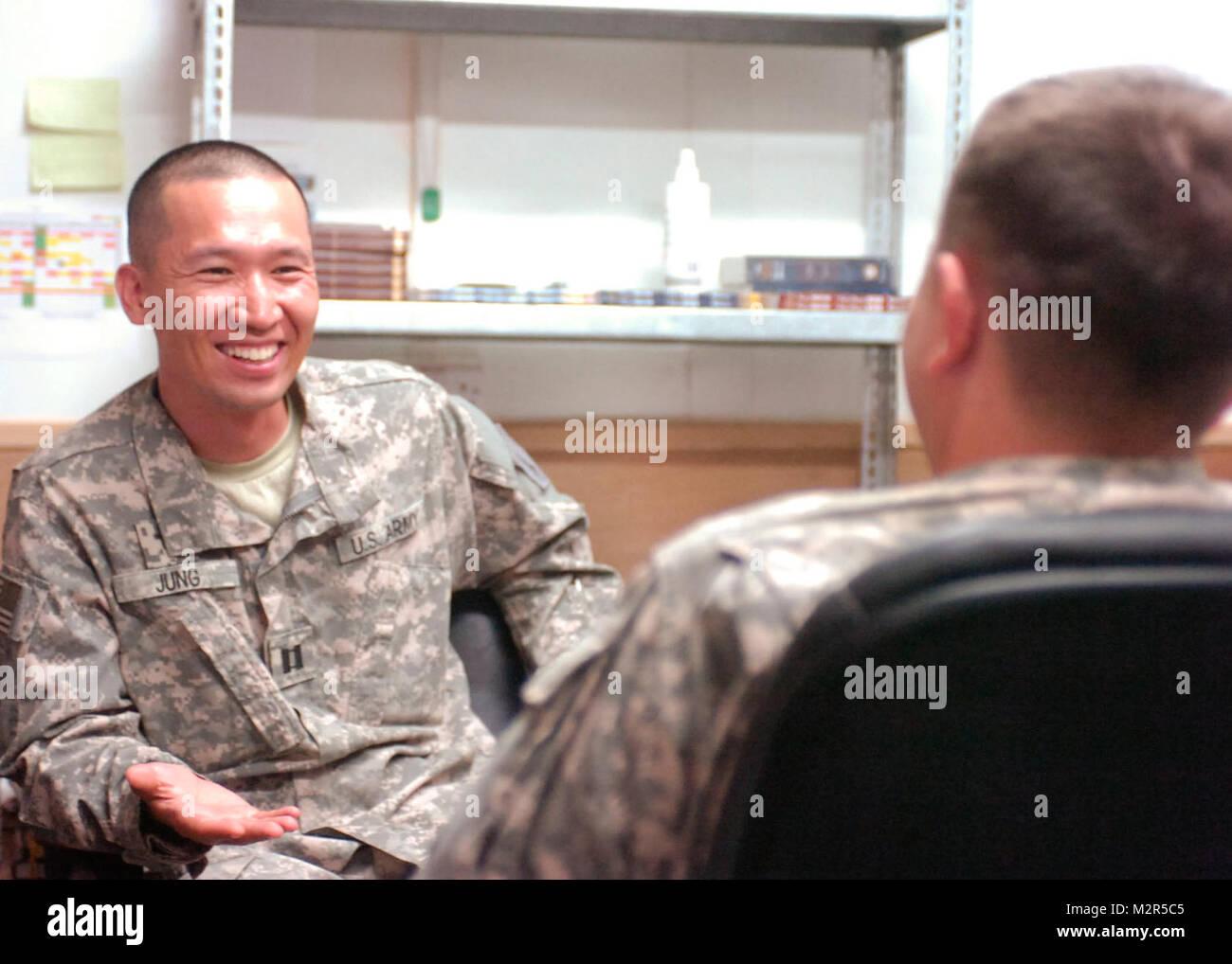 Us soldaten mit chatten Manöver (Militär)