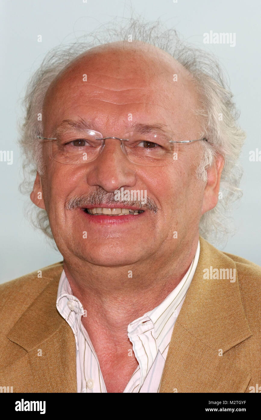 Dr Ralf L Hundkatzemaus