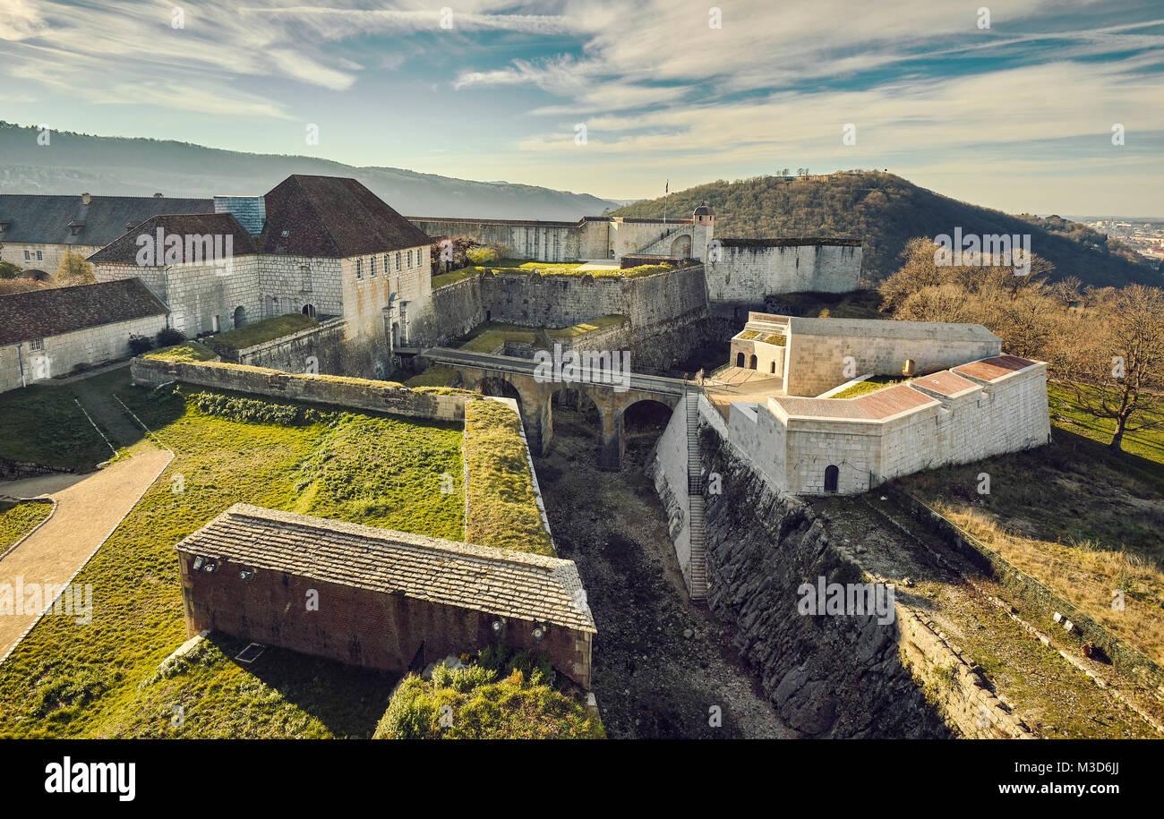 Die Zitadelle von Besançon, eine Festung aus dem 17. Jahrhundert, die von Vauban für Louis XIV. UNESCO-Weltkulturerbe. Besançon. Doubs. Bourgogne-Franche-Comt Stockfoto