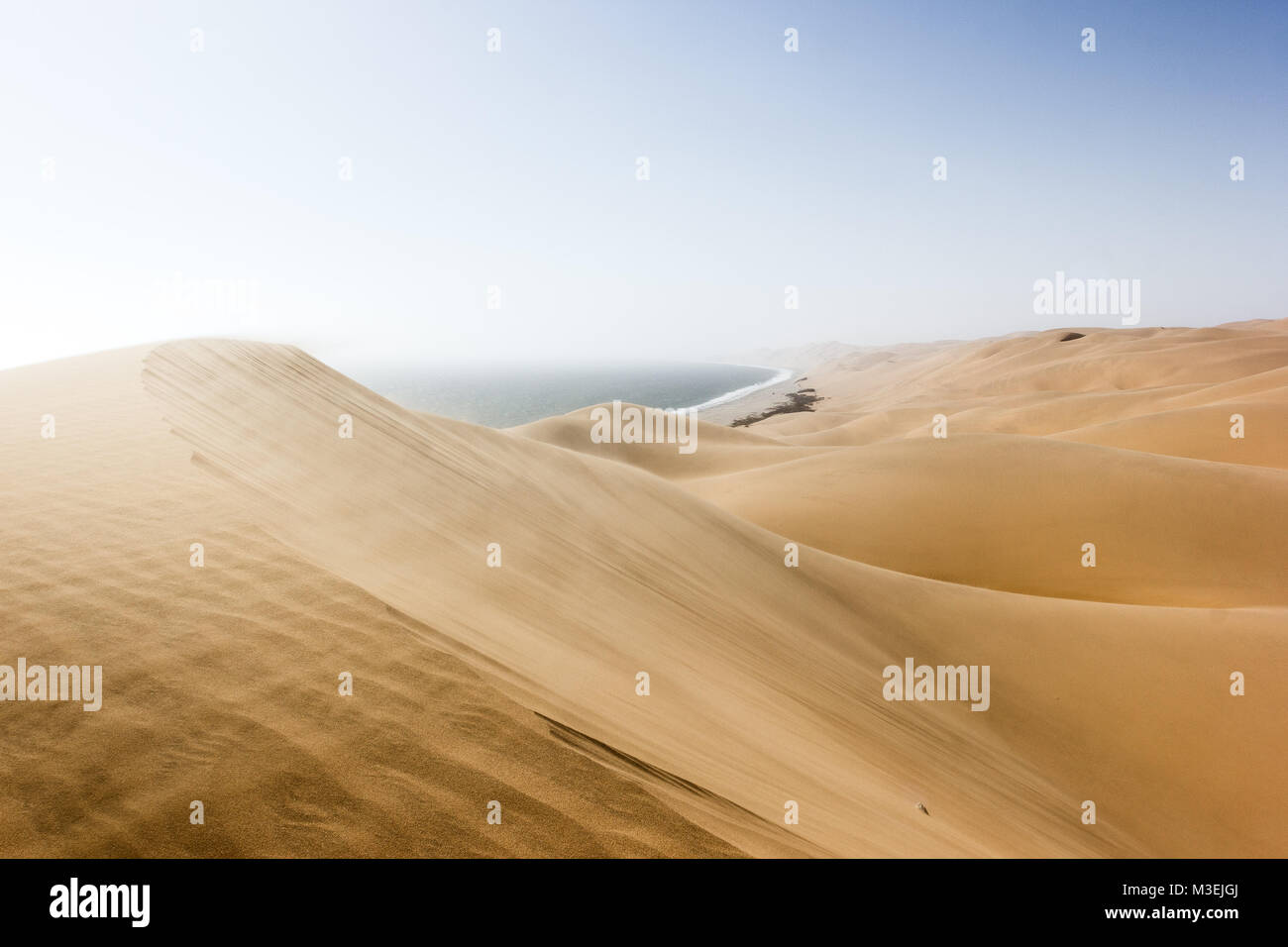 Sandwich Harbour, wo die Wüste den Ozean trifft, Namibia, Afrika Stockfoto