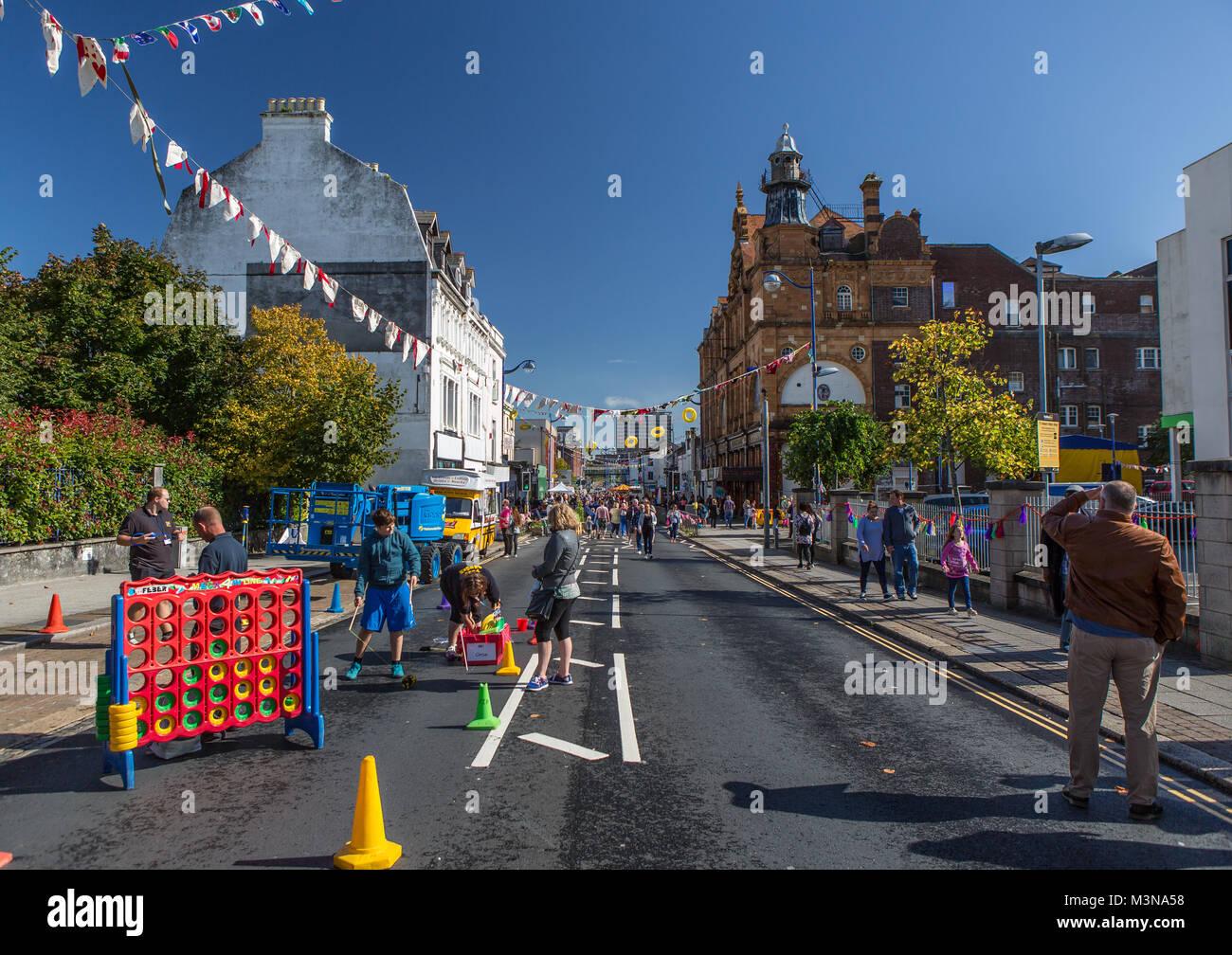 Union Street, Plymouth geschlossen für das jährliche Straßenfest. Stockbild