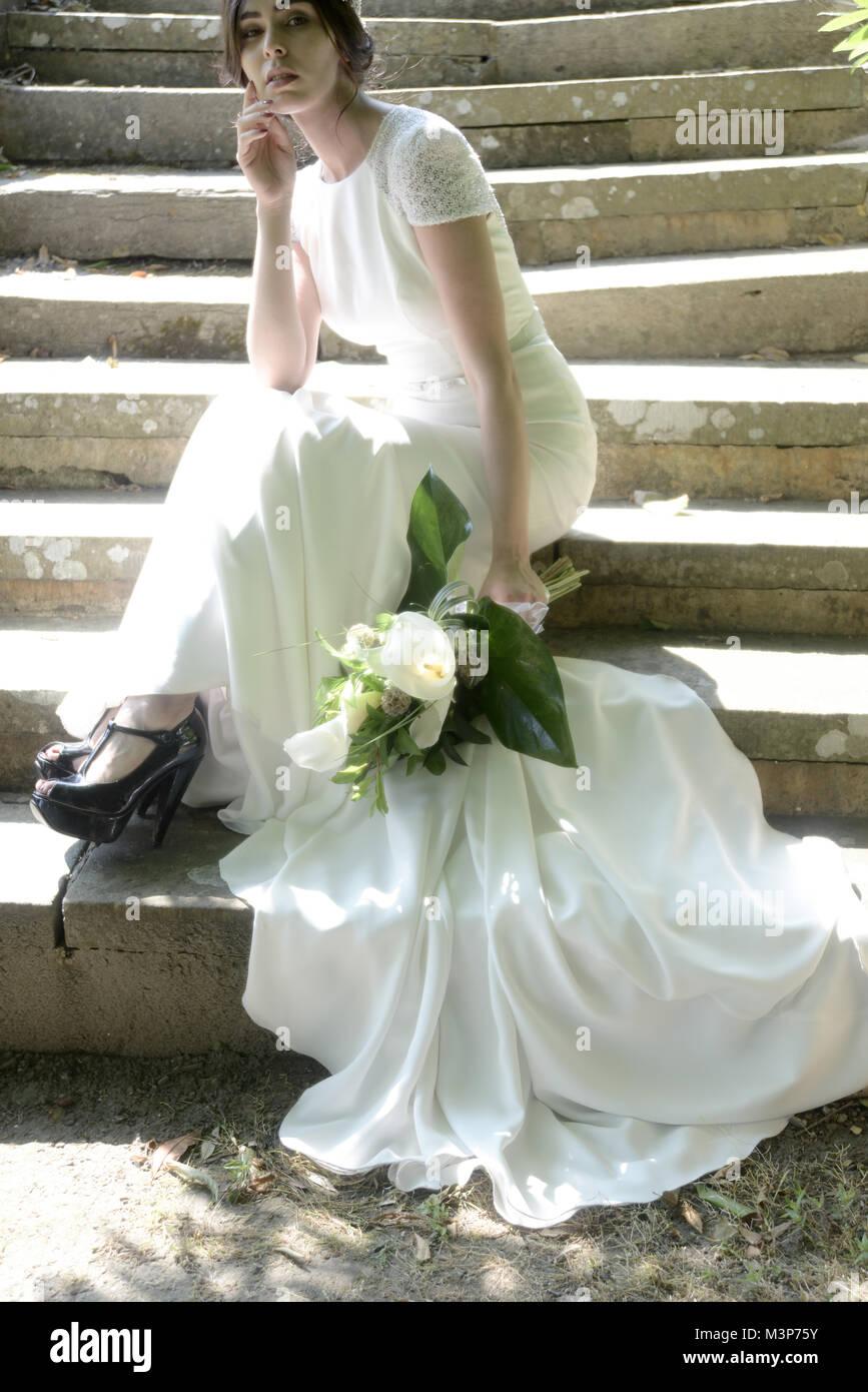 Fantastisch Nette Outfits Zu Einer Hochzeit Tragen Galerie ...