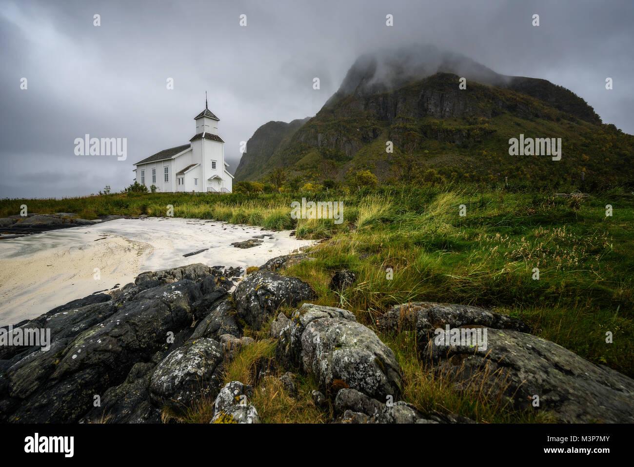 Gimsoy Kirche auf Lofoten in Norwegen Stockbild