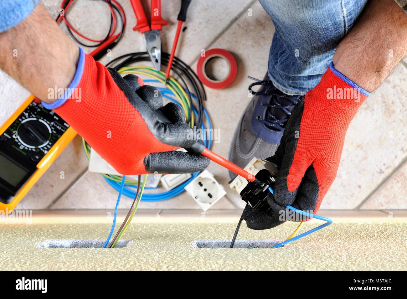 Ungewöhnlich Kabelklemmen Für Elektriker Bilder - Schaltplan Serie ...