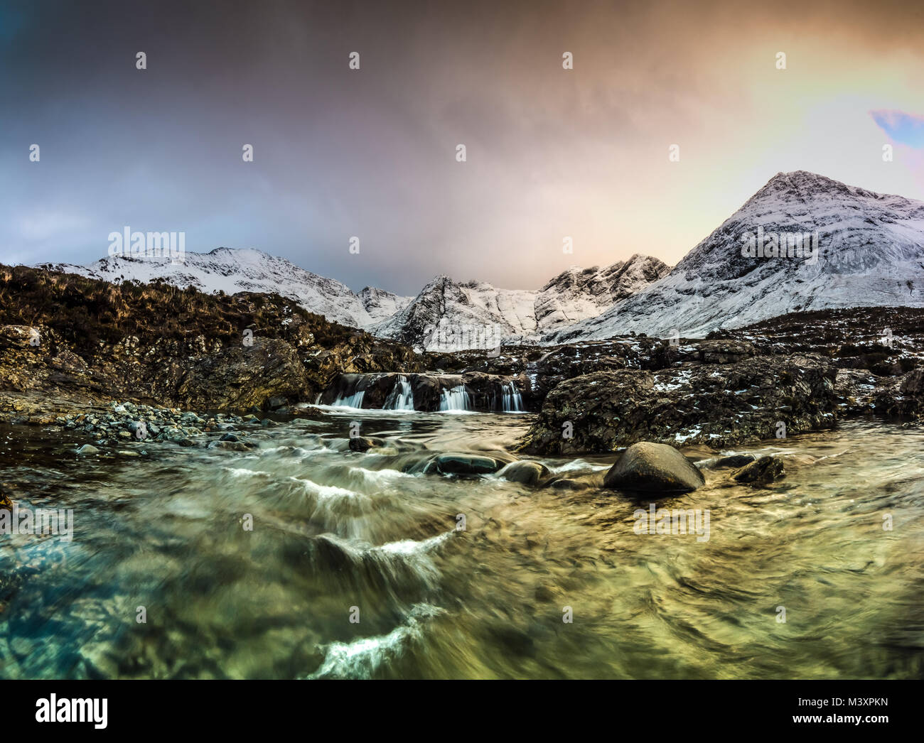 Die Fee Pools im Winter - Isle of Skye, Schottland Stockbild