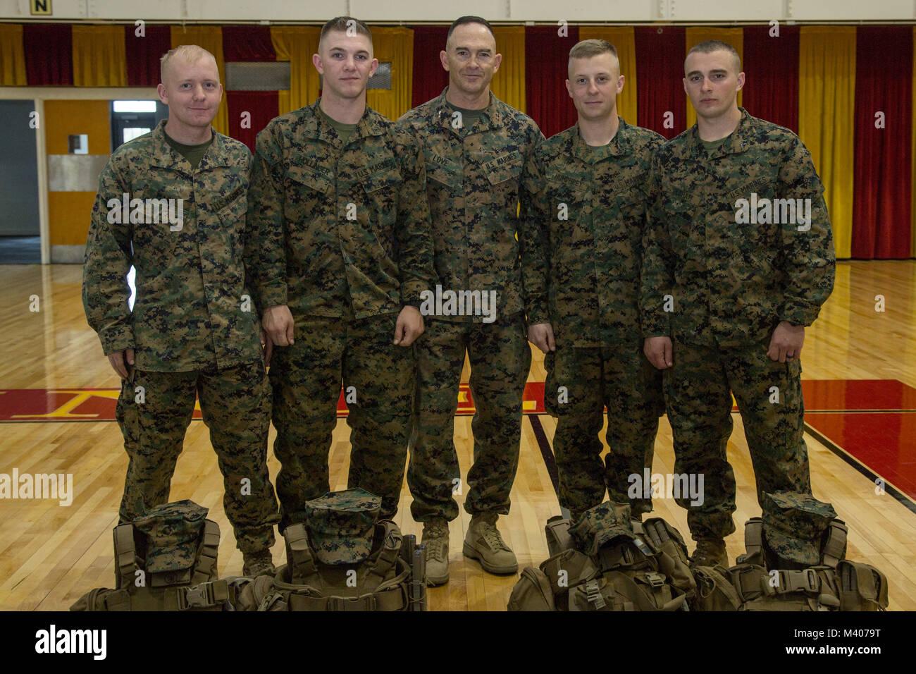 Us Marine Corps Generalmajor John K. Liebe, Kommandierender General, 2nd Marine Division (2d MARDIV), posiert für Stockfoto