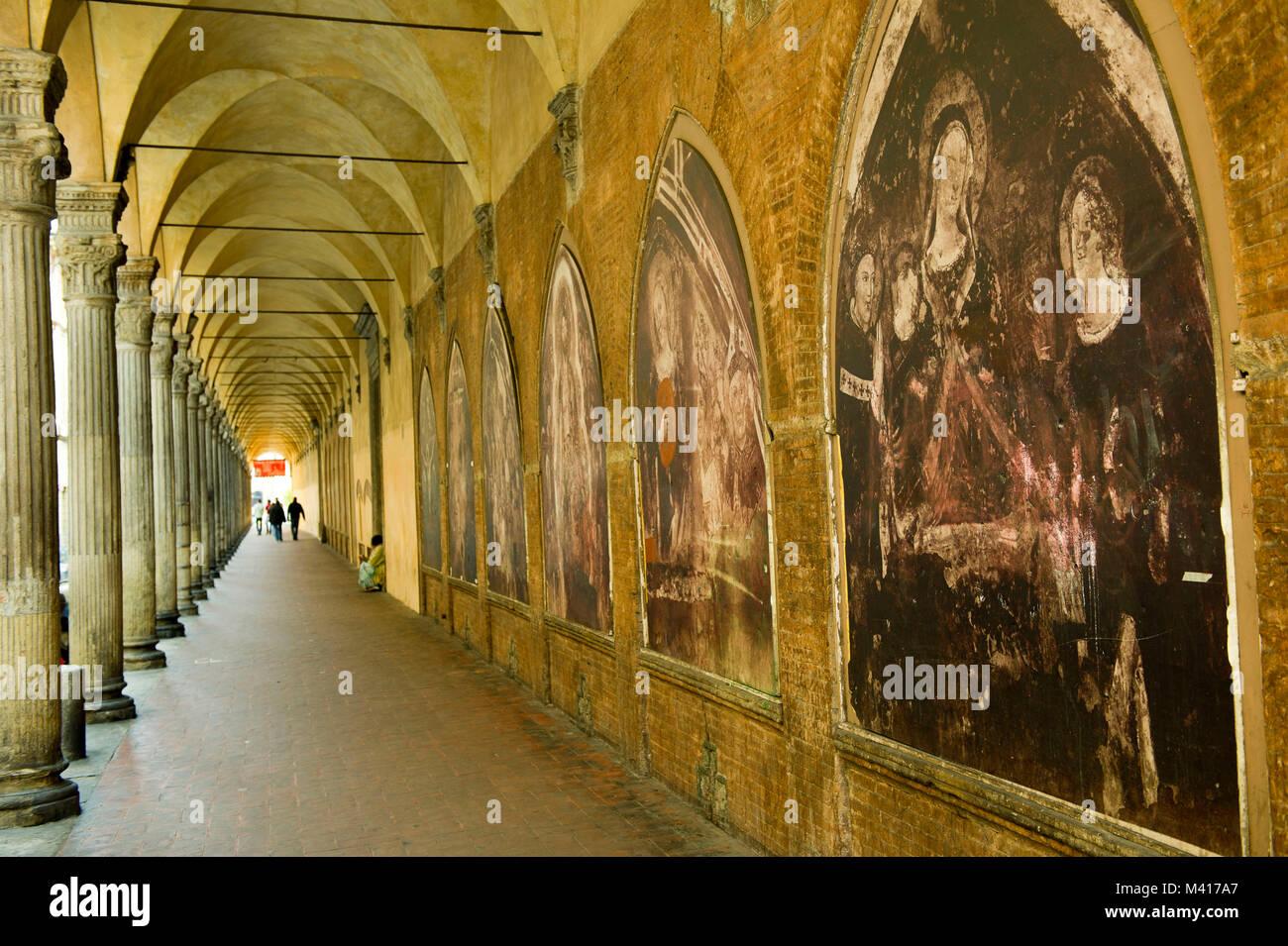 Italien, Emilia Romagna, Bologna, die Basilika von San Giacomo ...