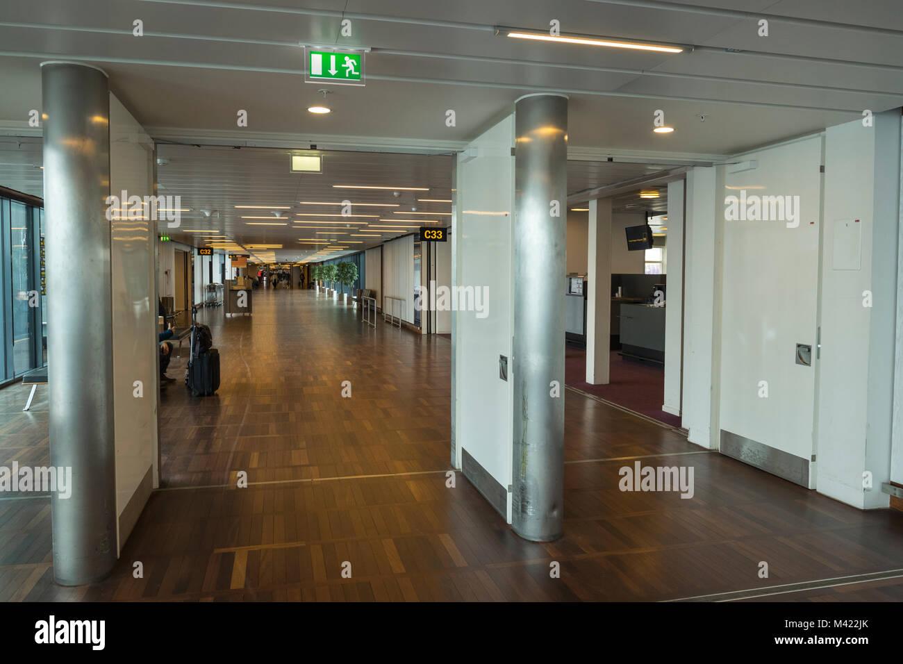Korridore in Københavns lufthavn Stockbild
