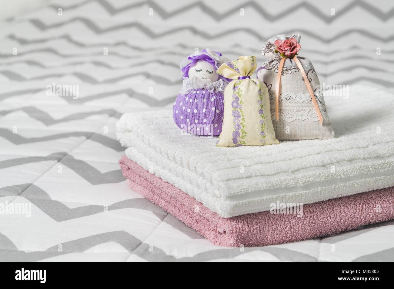 Kleine Säckchen und duftenden Tasche Abbildung eines Mädchens ...