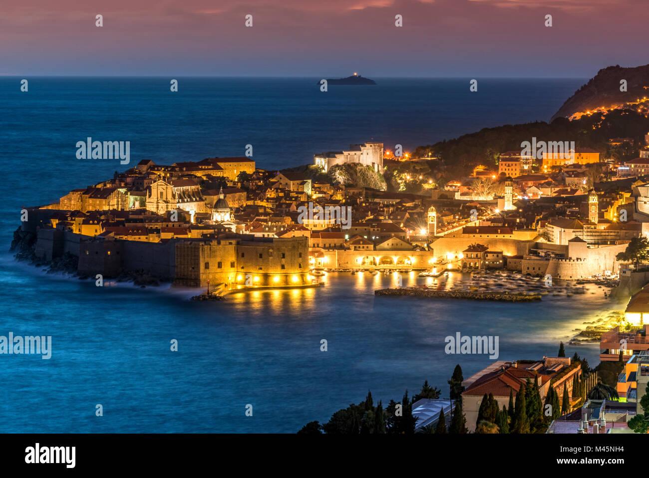 Die Skyline in der Dämmerung, Dubrovnik, Kroatien Stockbild