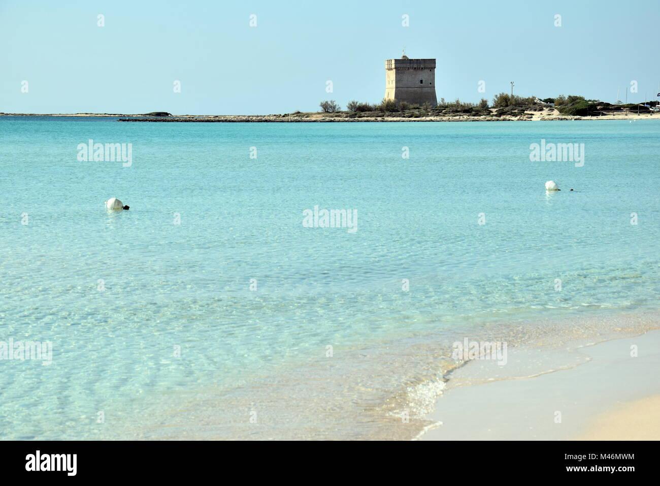 Strand in der Nähe von Porto Cesareo eine Stadt auf das Ionische Meer im  Salento, Apulien, Italien Stockfotografie - Alamy