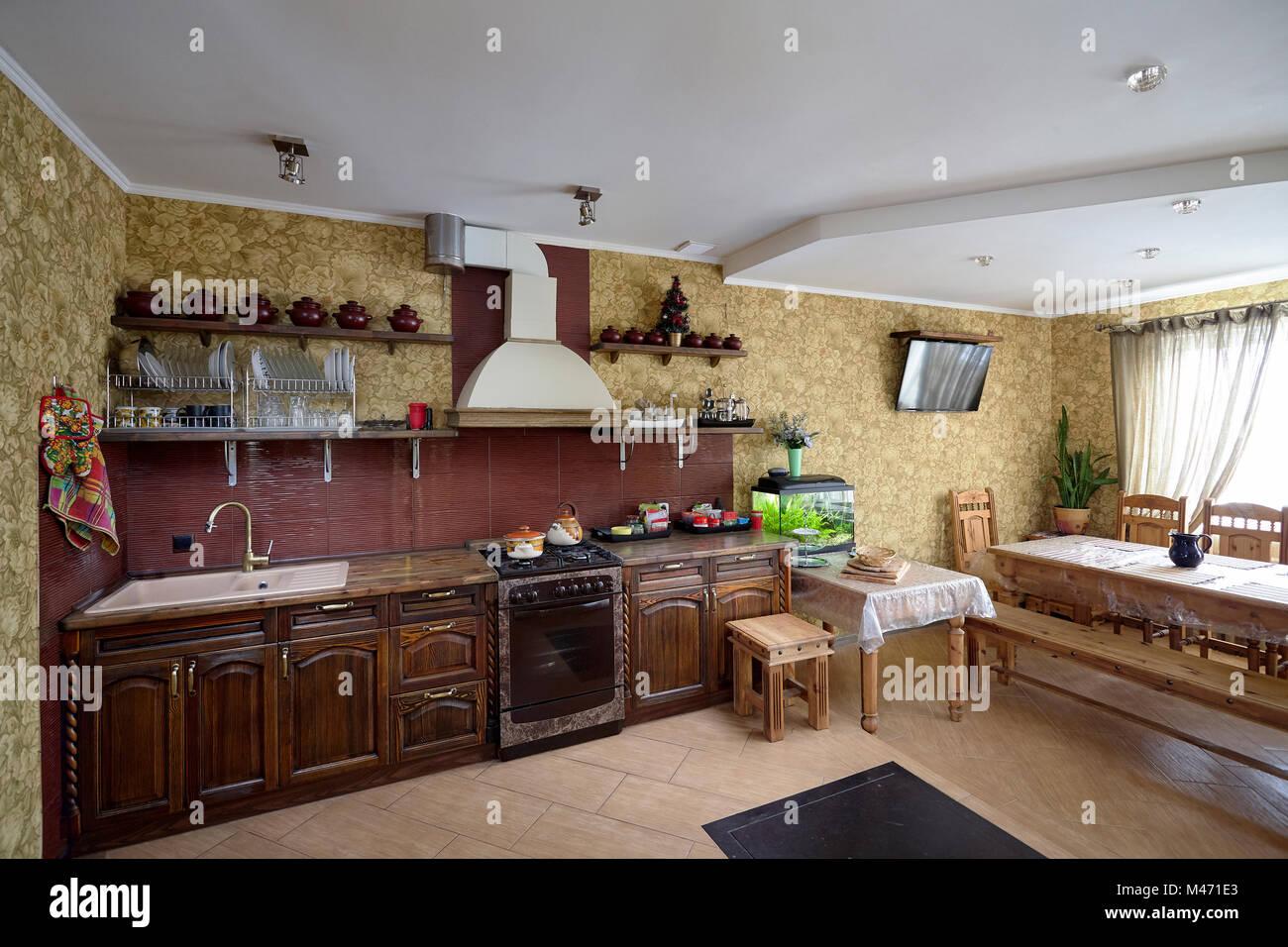 Elegant Wohnzimmer Und Kche Im Village Stil In Brauntnen With Wohnzimmer  Brauntne