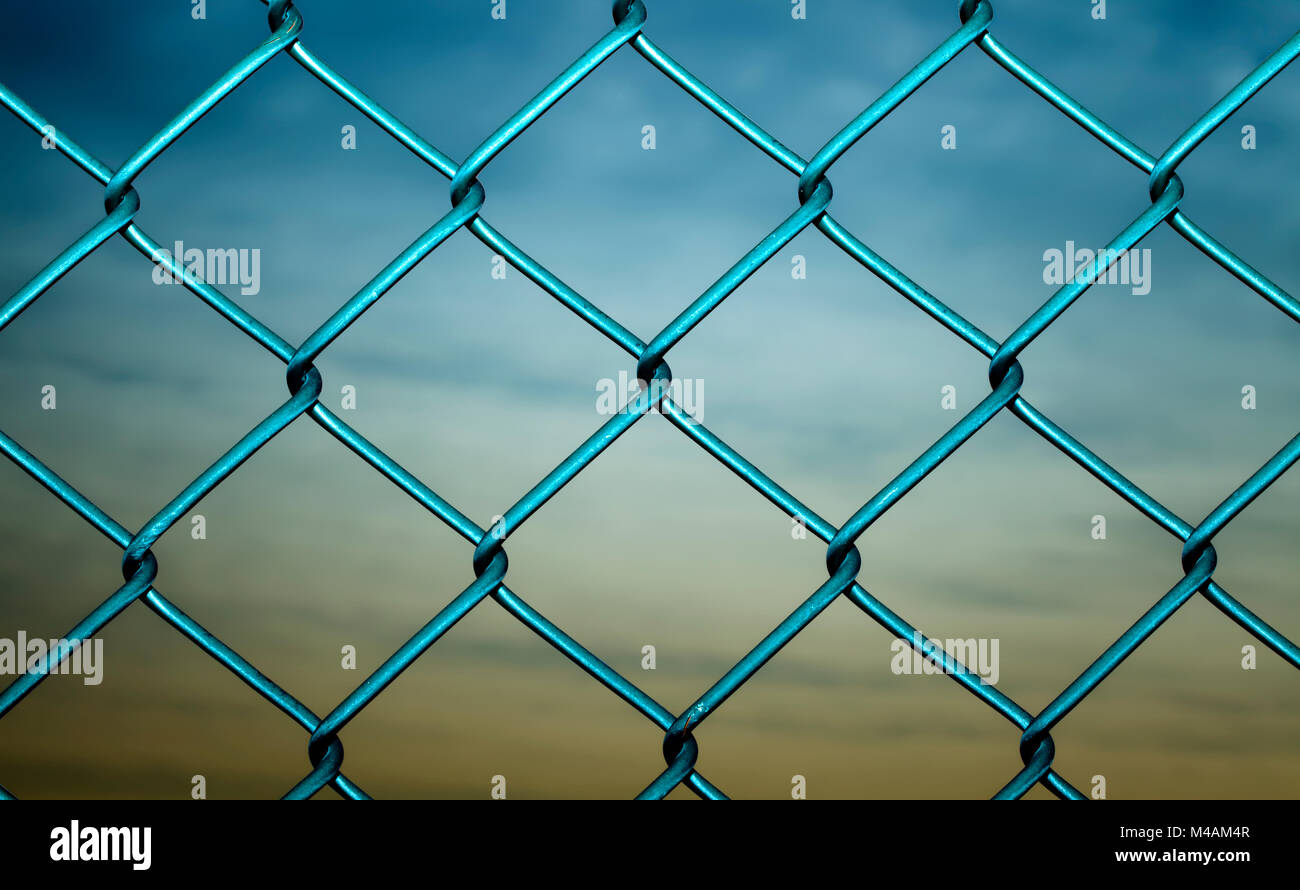 Gitterzaun, Maschendrahtzaun Stockbild