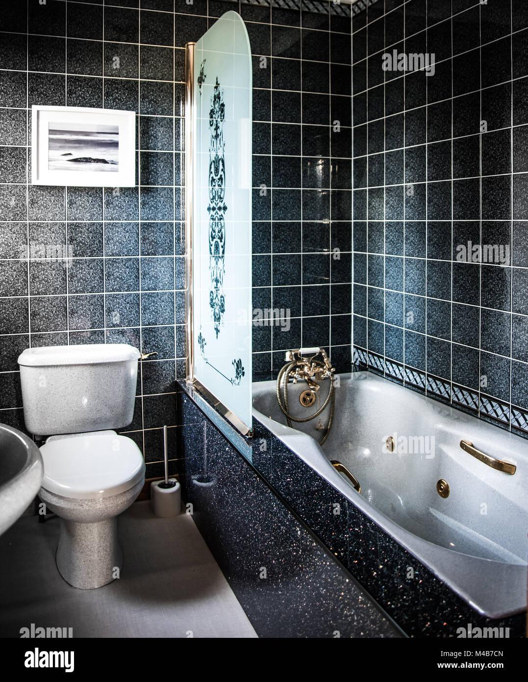 Luxuriöses Badezimmer Mit Whirlpool