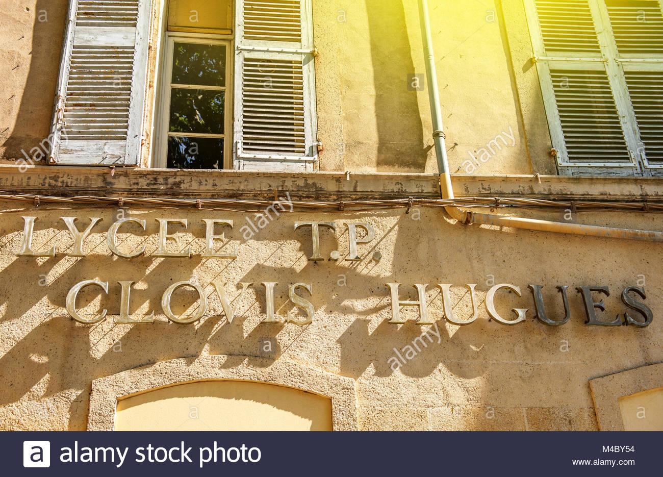 Lyceum High School Buchstaben Fassade in Aix, Frankreich Stockbild