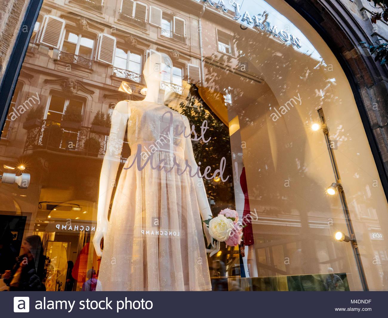 Canadian Dresses Stockfotos & Canadian Dresses Bilder - Alamy