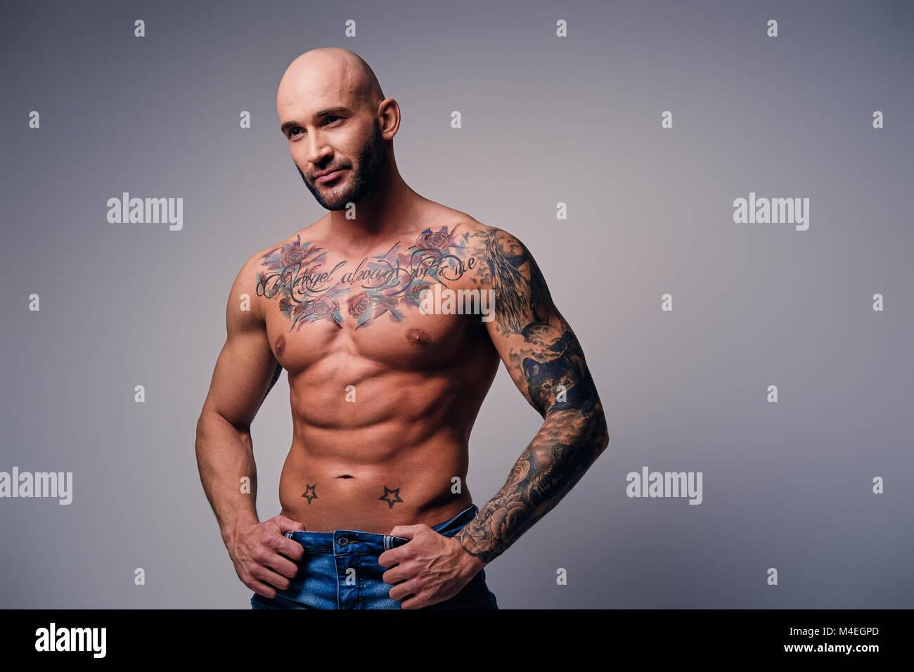 Männer mit tattoos muskulöse 26 Provokativ