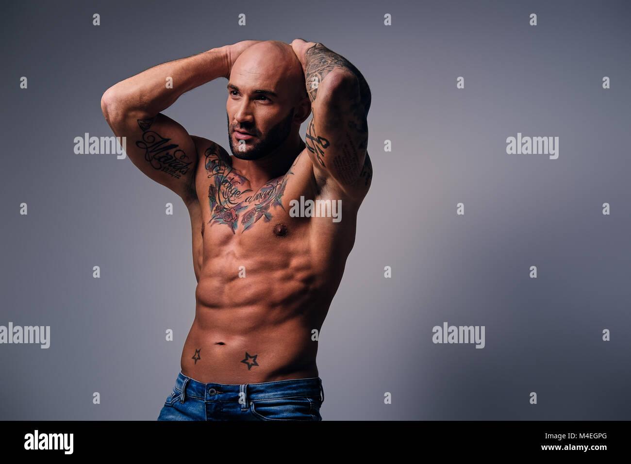 Tattoos muskulöse männer mit Männer mit
