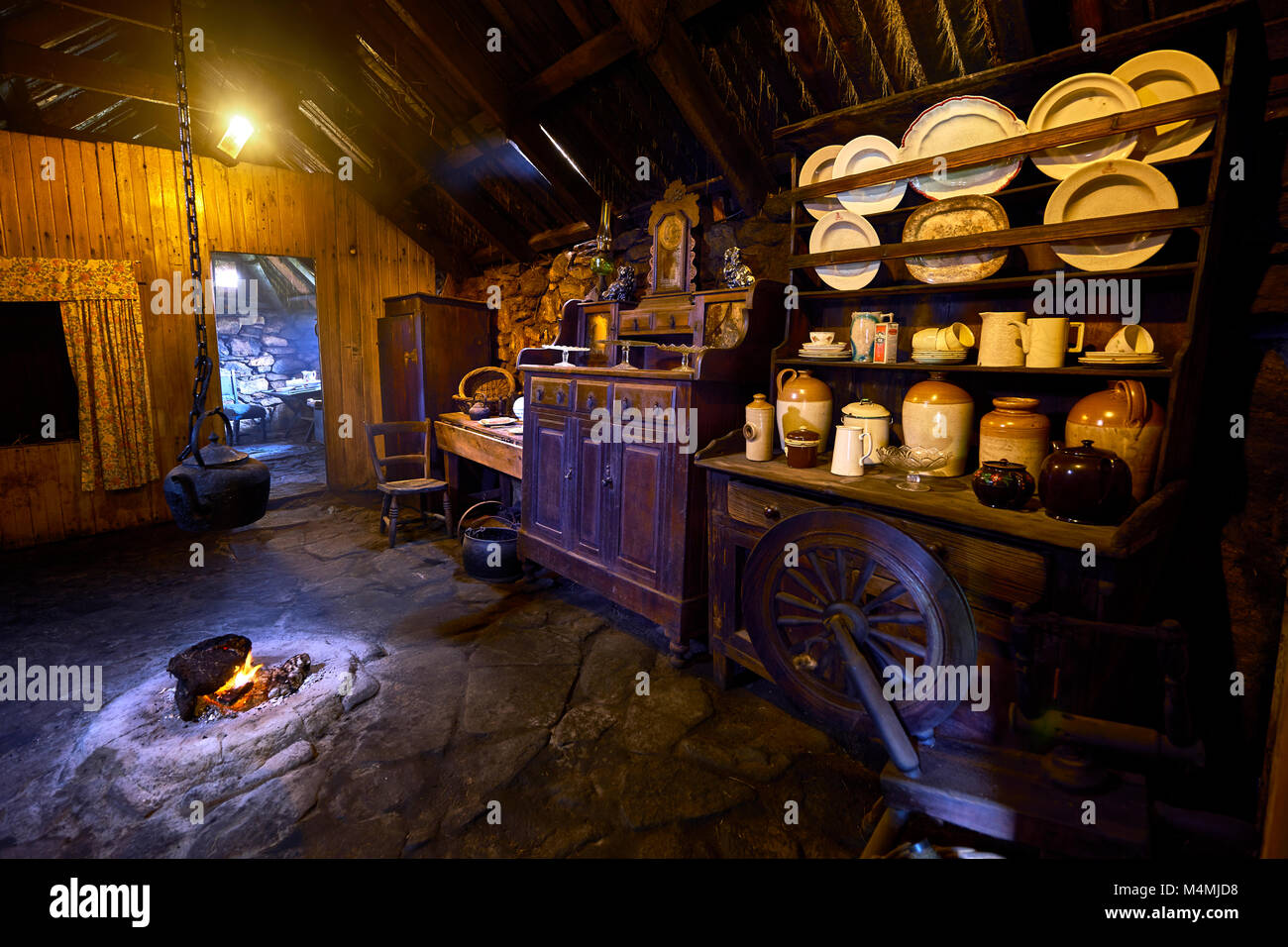 Traditional Cottage Interior Stockfotos & Traditional Cottage ...