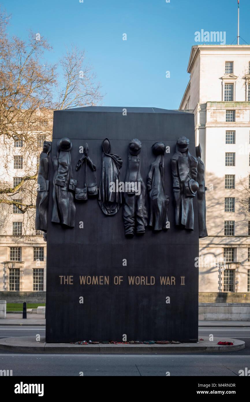 Denkmal für die Frauen des Zweiten Weltkrieges, war Memorial von John W. Mills, Whitehall, London, UK Stockbild