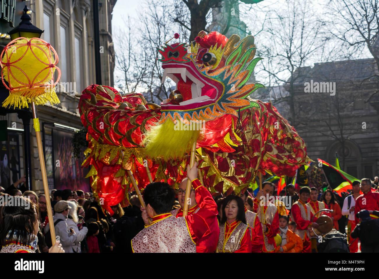 London, Großbritannien. 18. Feb 2018. Chinese New Year - Jahr des ...