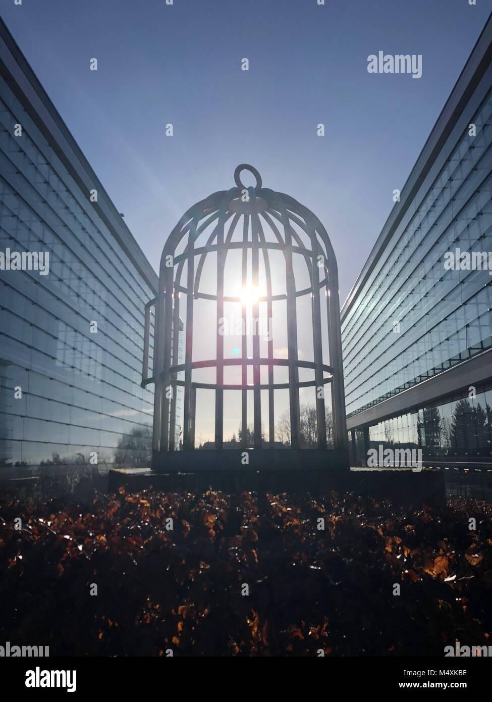 Locked In Cage Stockfotos & Locked In Cage Bilder - Alamy