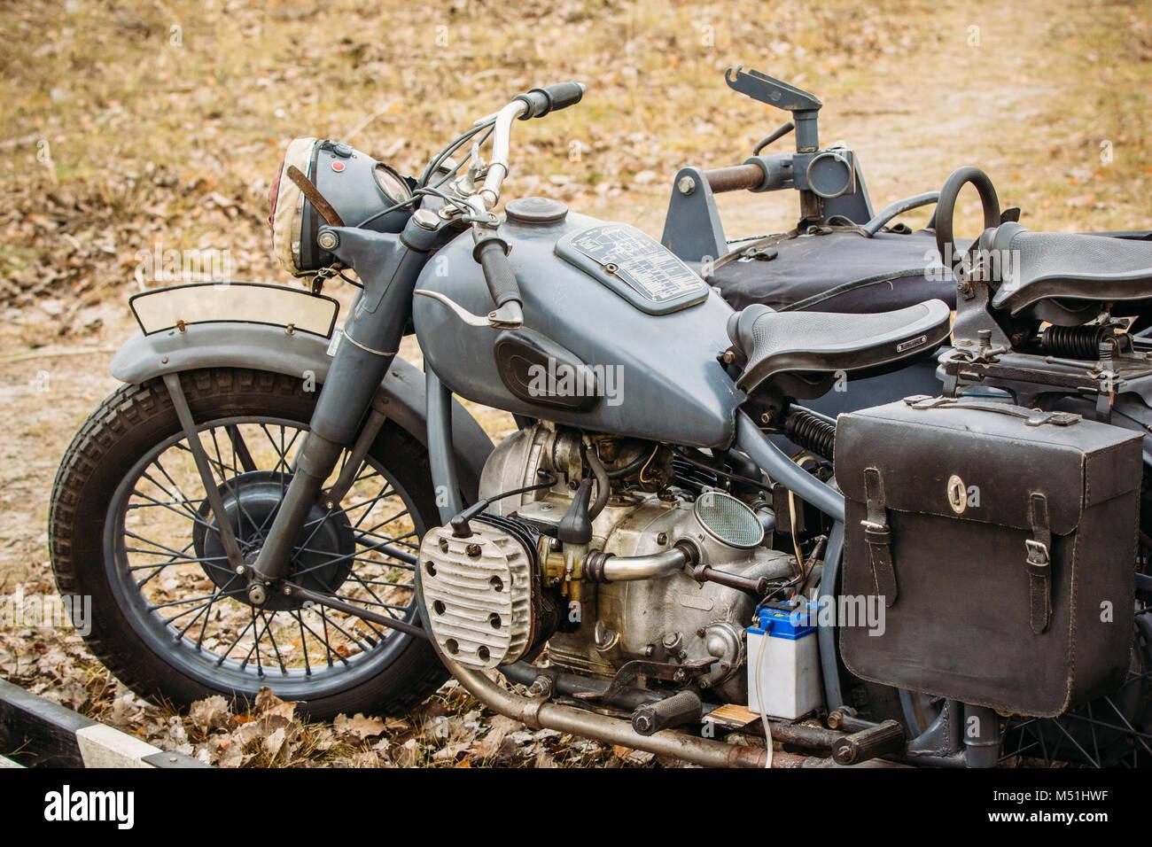 ein oldtimer motorrad aus der zeit des zweiten weltkriegs. Black Bedroom Furniture Sets. Home Design Ideas