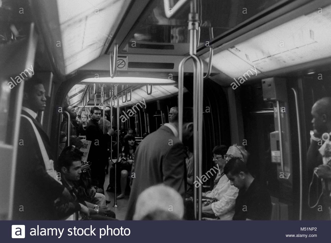 In der Metro von Paris Stockbild
