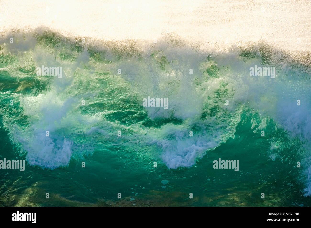Brechende Welle, Atlantik, La Gomera, Kanarische Inseln, Kanarische Inseln, Spanien Stockbild