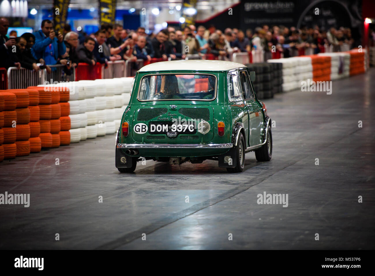 Der Twini - ein Special Twin engined Mini Cooper S im London Classic Car Show & Historic Motorsport internationalen Stockbild