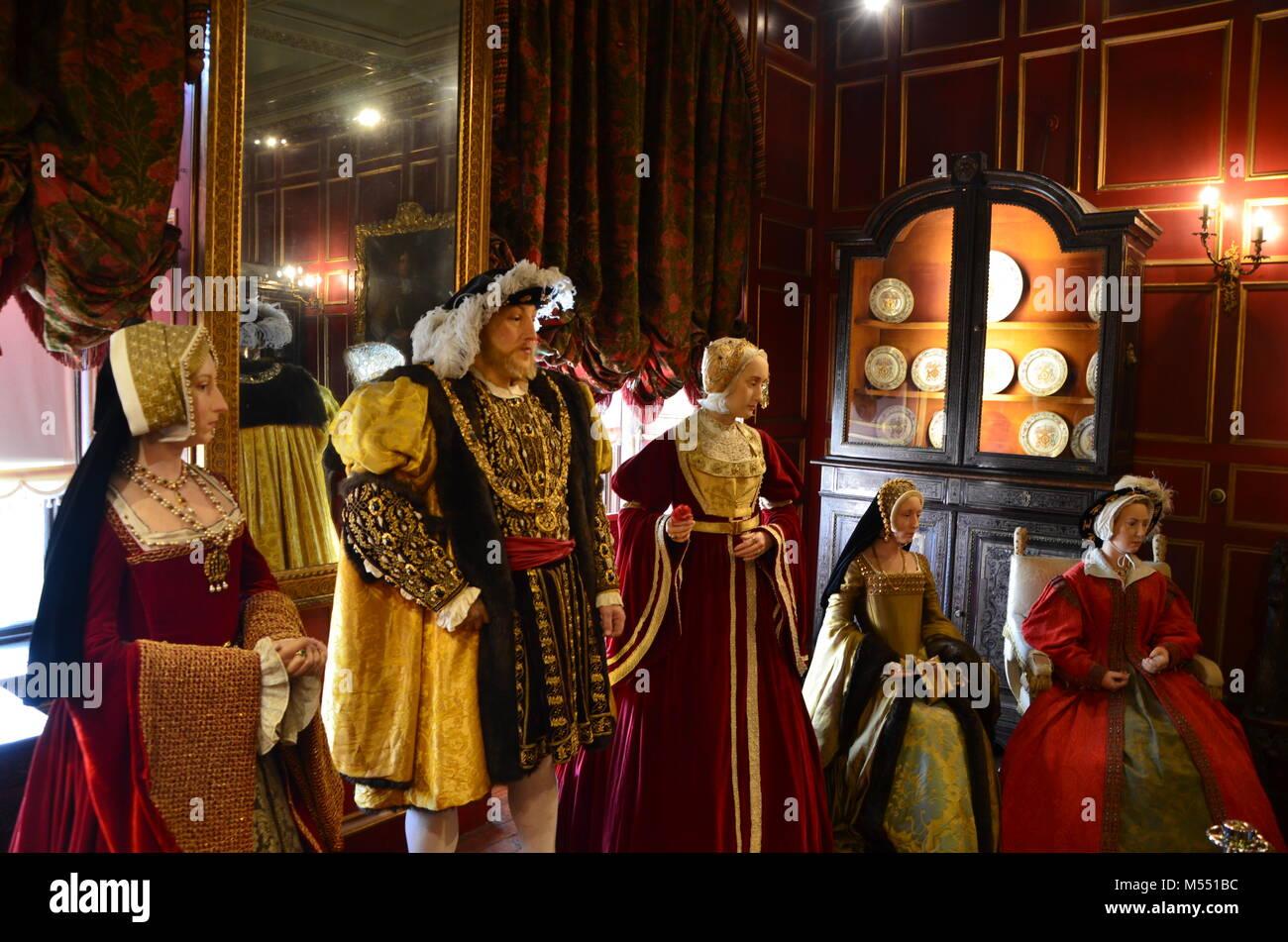 Henry 8 plus einige Frauen in waxwork Anzeige historischen Schloss Warwick Warwickshire, Großbritannien Stockbild