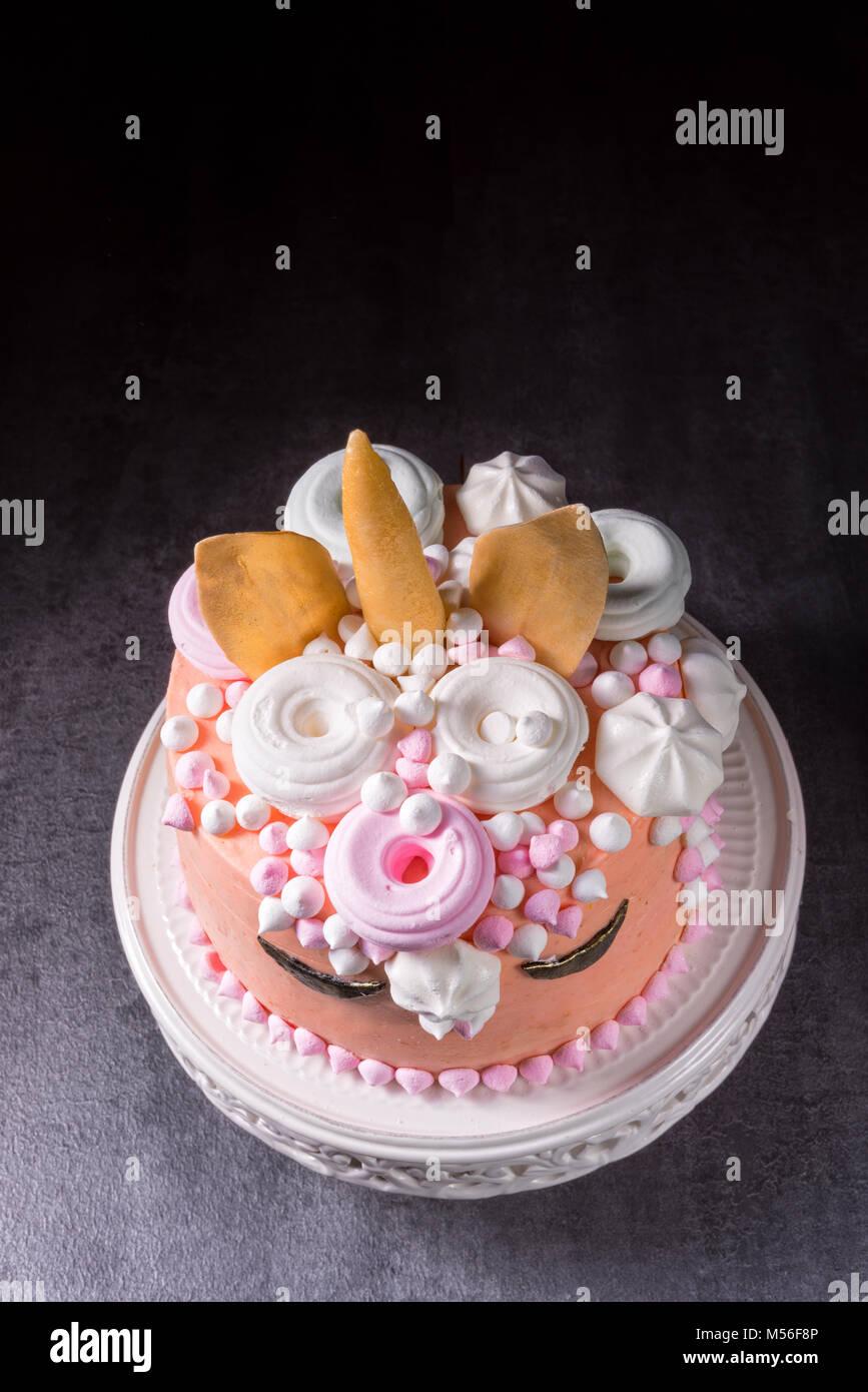 Kinder Geburtstagskuchen Stockfoto Bild 175320678 Alamy