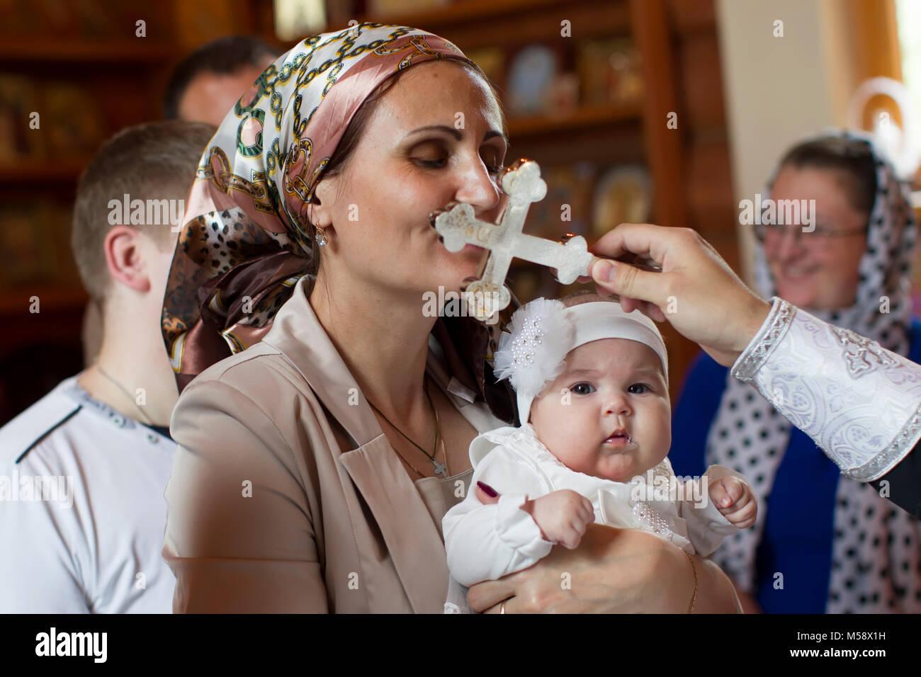 Eine Frau mit einem verrückten Baby-Papa datiert